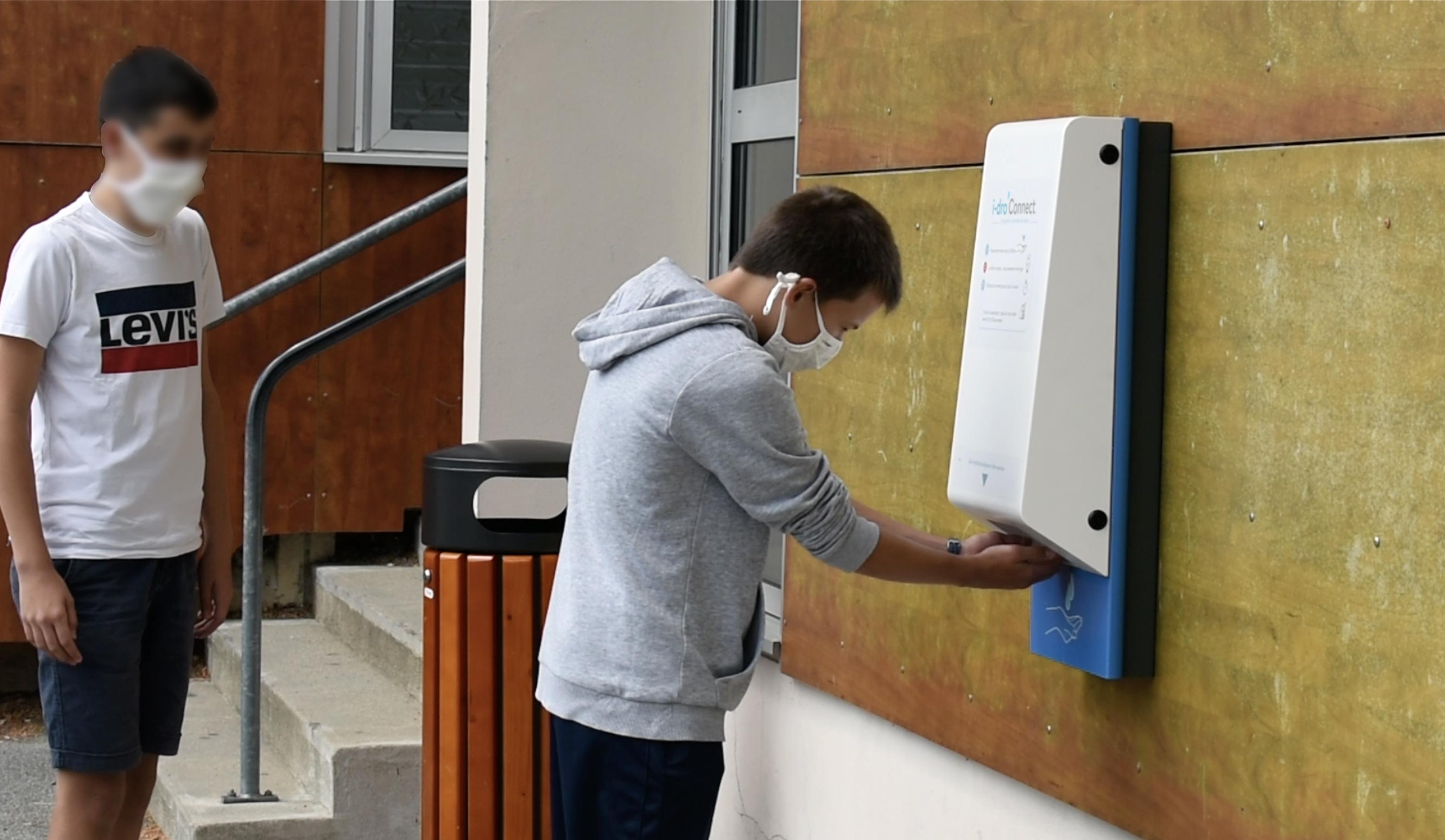 distributeur de gel hydroalcoolique sans contact mural